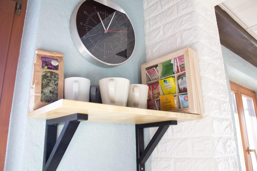 Küchen makeover Kaffeetassen Regal