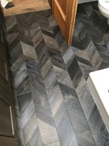 Vinylboden Badezimmer fertig